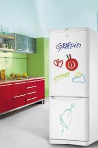 Indesit - Çift Kapılı Graffiti Buzdolabı